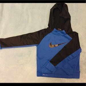 Boys Size 5 NIKE hoodie